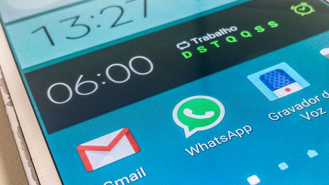 Covid-19: checadores de fatos e WhatsApp criam robô contra fake news