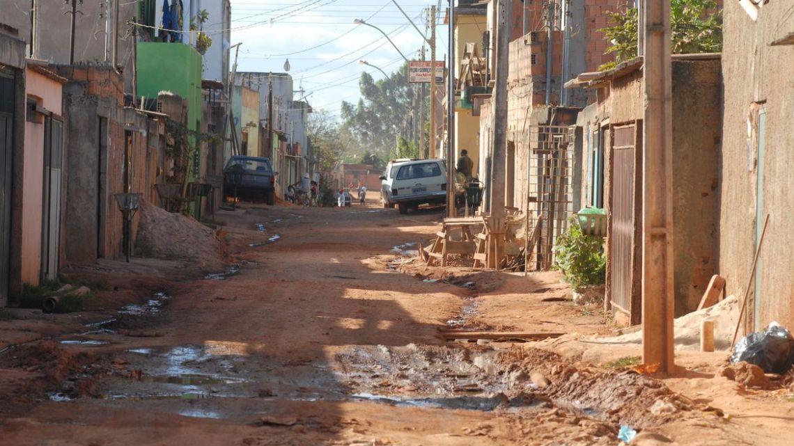 Cepal propõe seis meses de renda básica para mais pobres