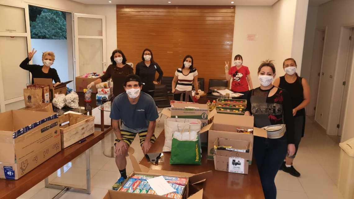 Ação conjunta distribui máscaras, sabonetes e material informativo sobre coronavírus
