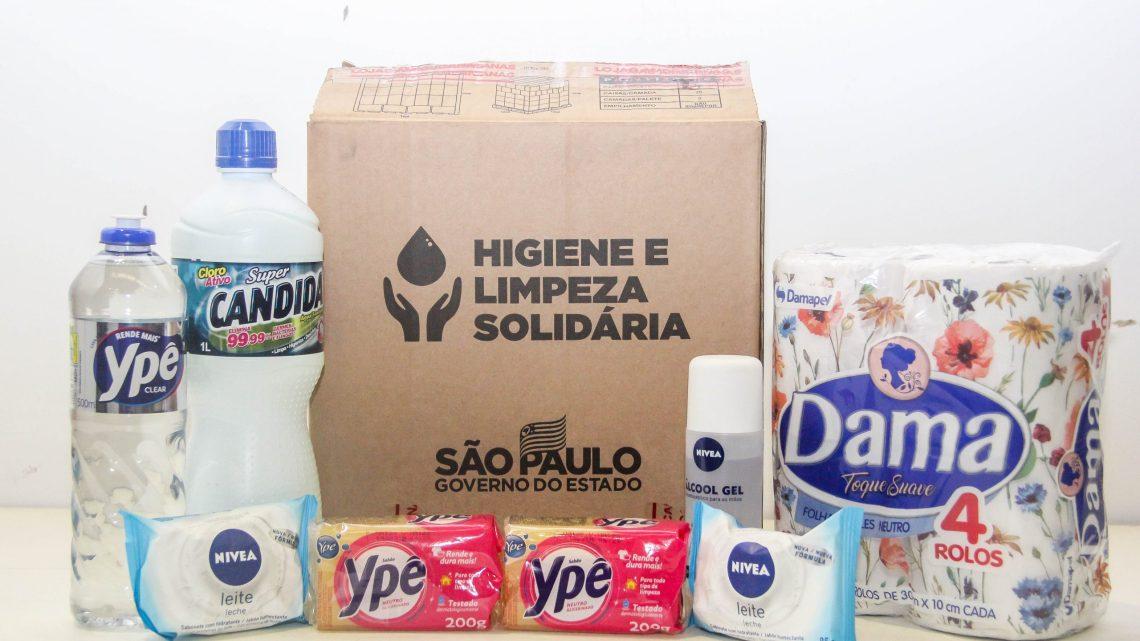 Prefeitura de Carapicuíba entrega mais de 20 mil kits do Programa 'Higiene e Limpeza Solidária'