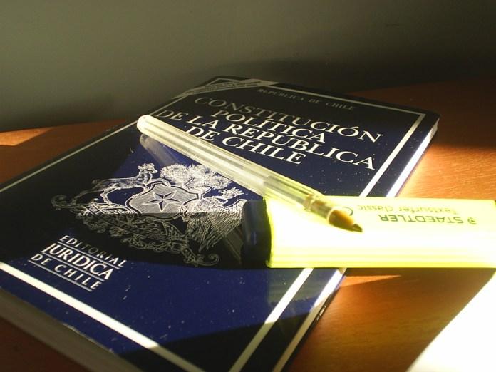Constitución