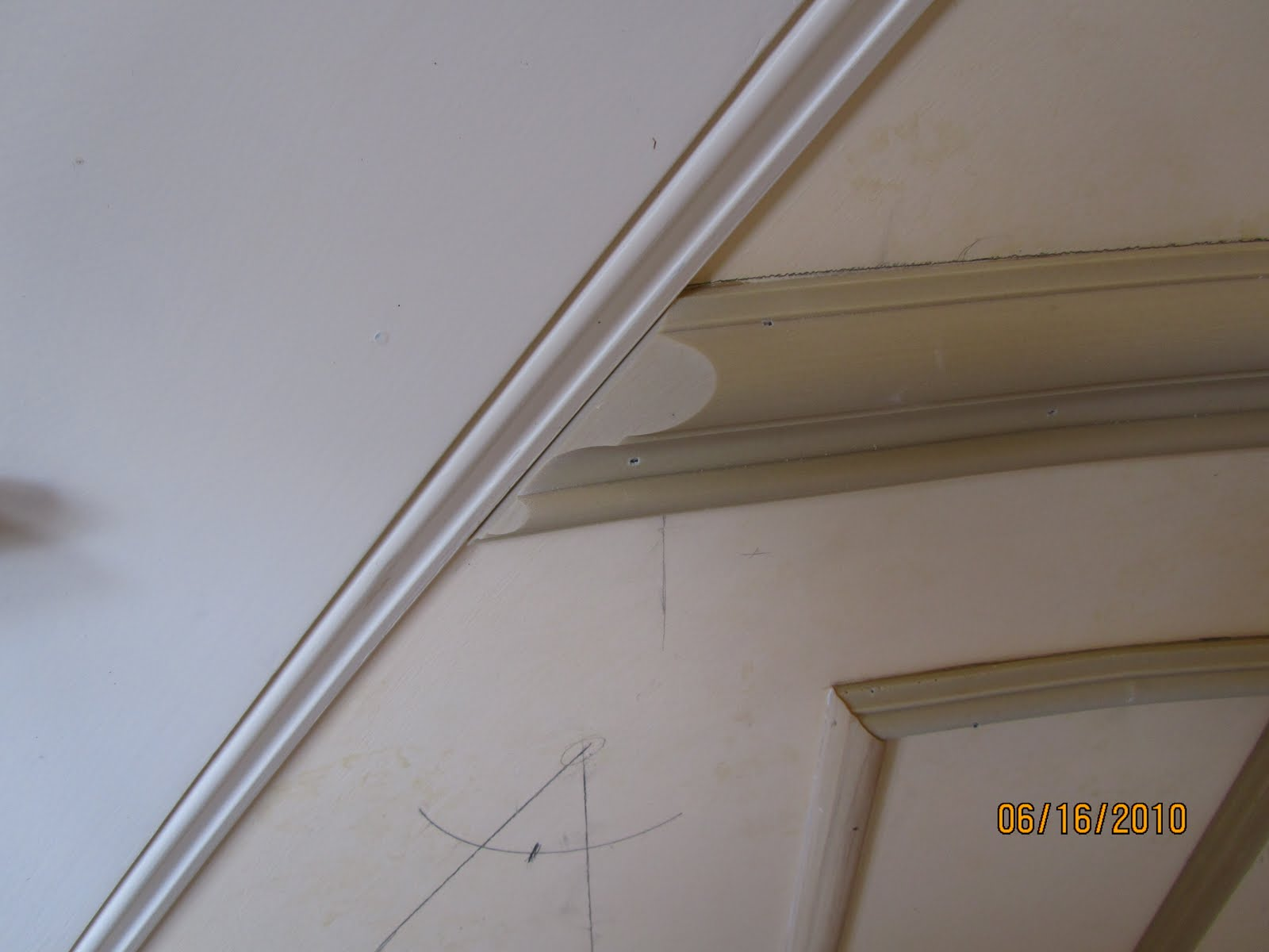 picture frame moulding below chair rail patio bar plans installing molding to a curved wall