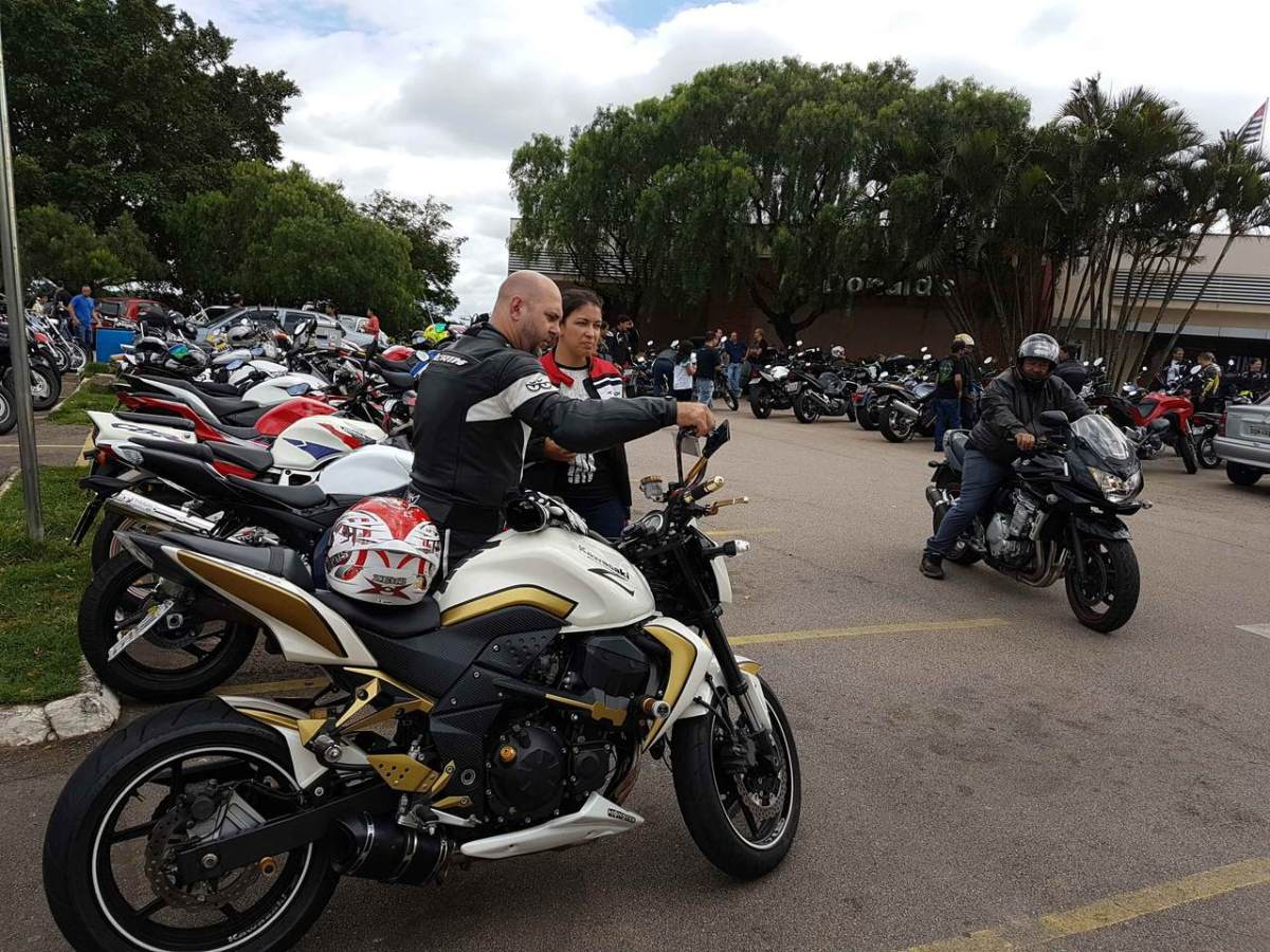 Shopping  SerrAzul é ponto de encontro de apaixonados por motos