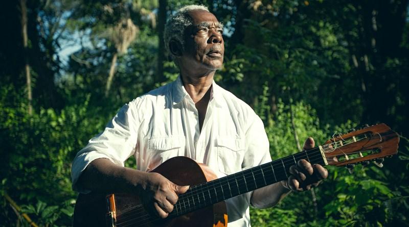 Na segunda (20), o público pode conferir o show do músico Mateus Aleluia, dança, música, sarau e até atividade de meio ambiente, no Sesc Jundiaí.