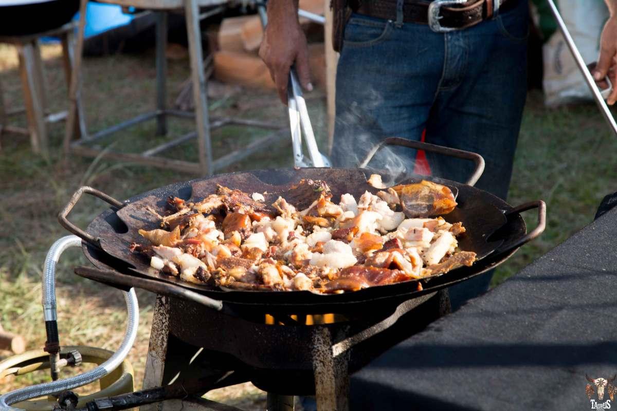 Festivais unem churrasco, churros e música em Jundiaí