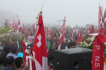 Foto da chegada dos fiéis ao Santuário