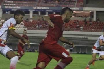Foto de lance do jogo em que o CRB se classificou para a Copa 2020, vencendo a Juazeirense