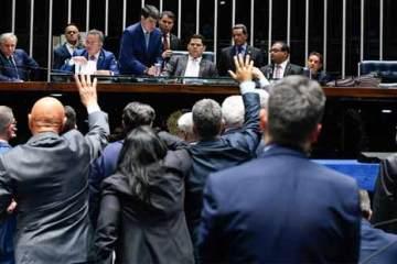 Senado derruba decreto do presidente sobre armas