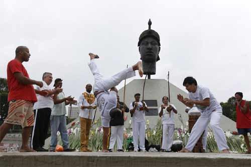 Foto ilustrativa de capoeira