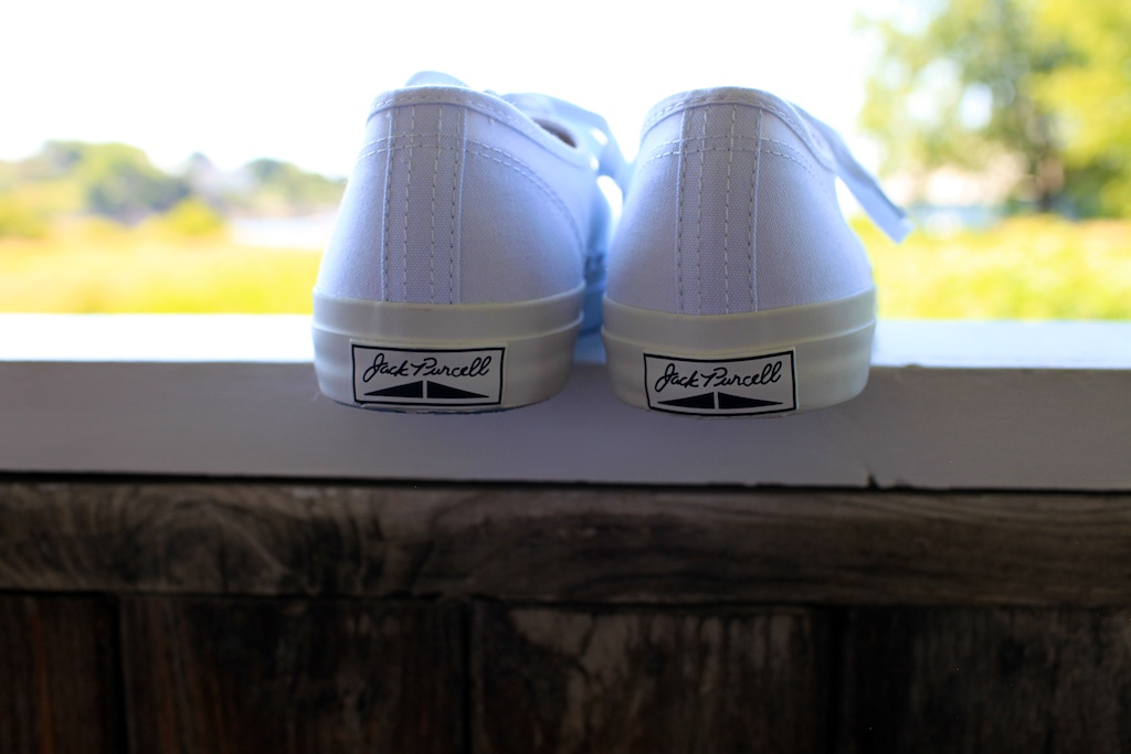 099ac33be033 It s amazing when a pair of canvas sneakers can do the exact same thing and  take you back. Like I said