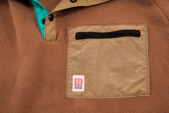 topo_designs_fleece_pocket