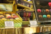 Oh Yes! There are delicious Macaroons ;-)