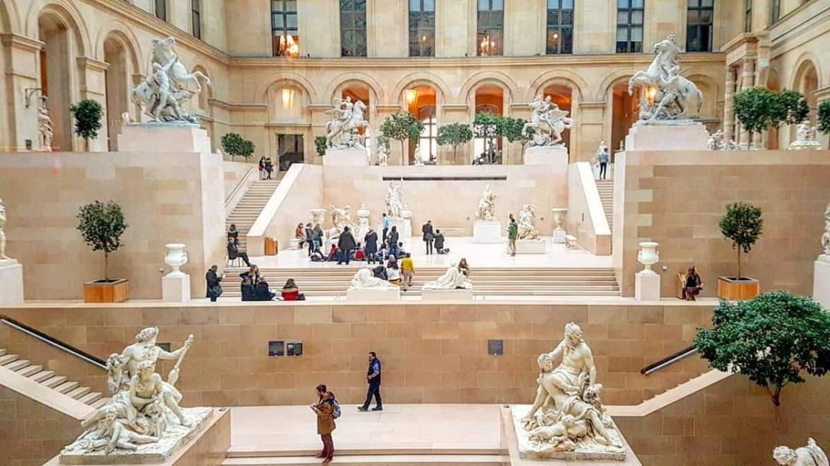 Lugares para visitar em Paris - Museu do Louvre