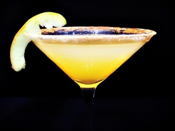 Caramel-Apple-Martini-41-600×450-1