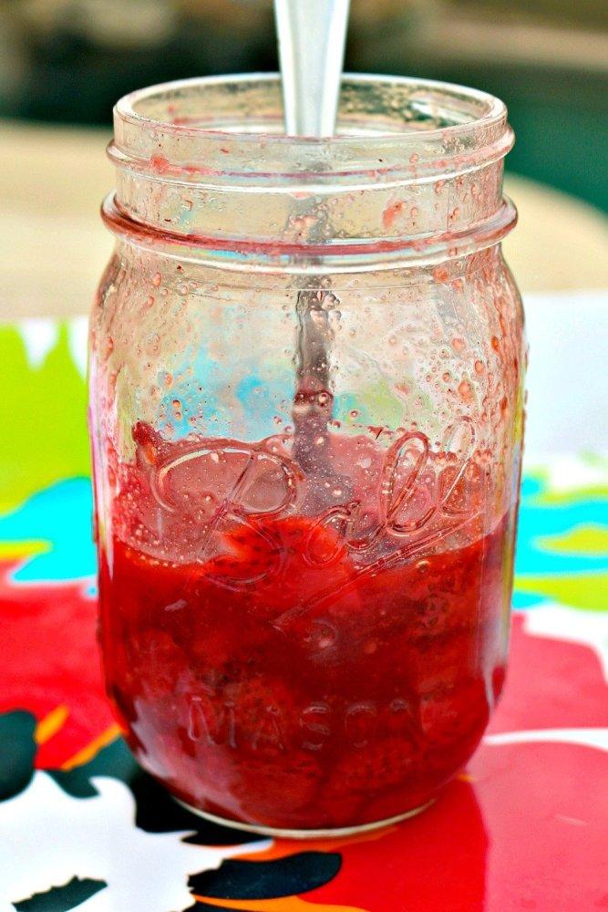 Grilled Honey Balsamic Strawberry Sundaes4