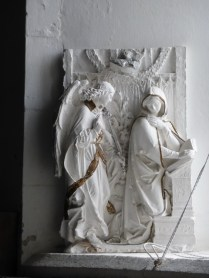 An unexplained but charming annunciation