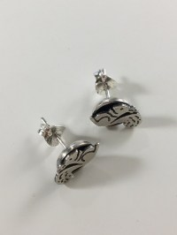 Silver squirrel circle stud earrings | Acorn Jewellers of ...
