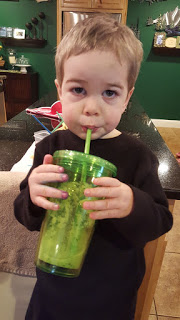 Rainbow Smoothie Recipes: Toddler Lesson for learning colors and strategy for getting your Toddler to EAT!