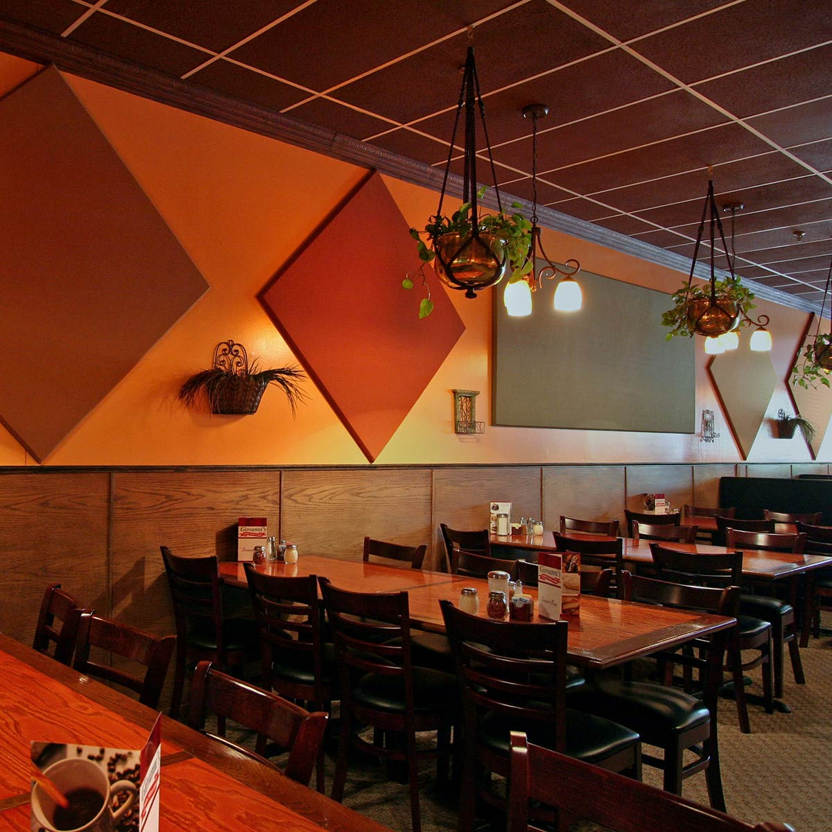 Giovannis Restaurant  Acoustical Solutions
