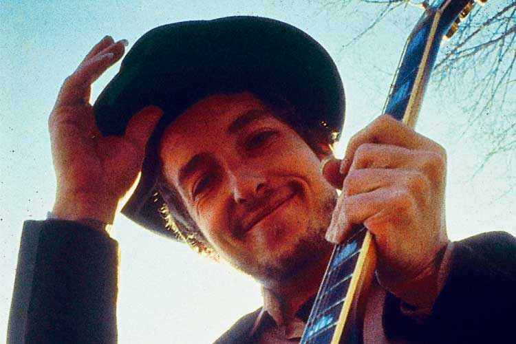 How to Play Acoustic Bob Dylan: the Secrets Behind 10 of His