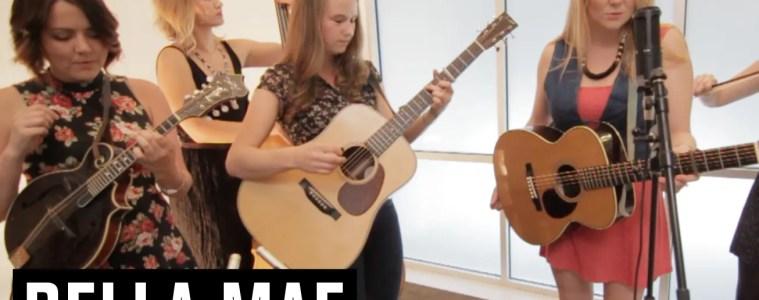 Acoustic Guitar Sessions Presents Della Mae