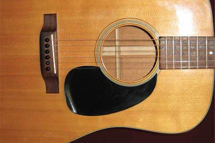 Ask the Expert: Vintage Guitars and Aging Plastic Parts – Acoustic