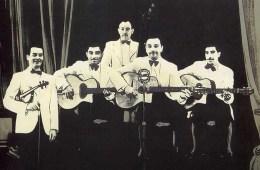 Quintette du Hot Club de France in 1939: (L-R) Stéphane Grappelli, Eugene Vees, Roger Grasset, Django Reinhardt, Joseph Reinhardt