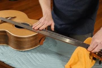 acoustic guitar scale length