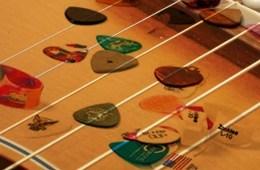 guitar strings and picks