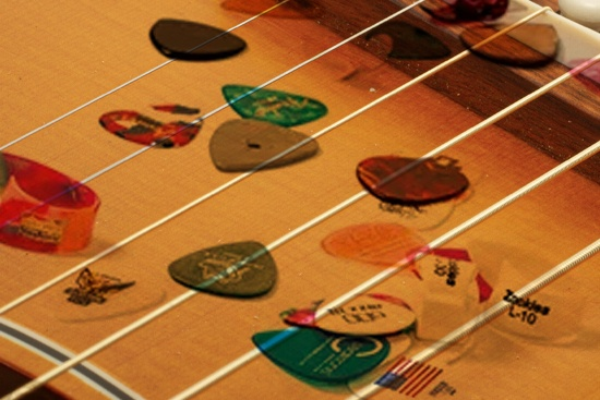guitar strings and picks