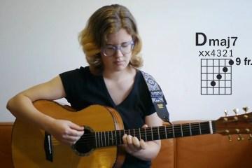 Kate Koenig giving a lesson on a new major seventh chord, Dmaj7.