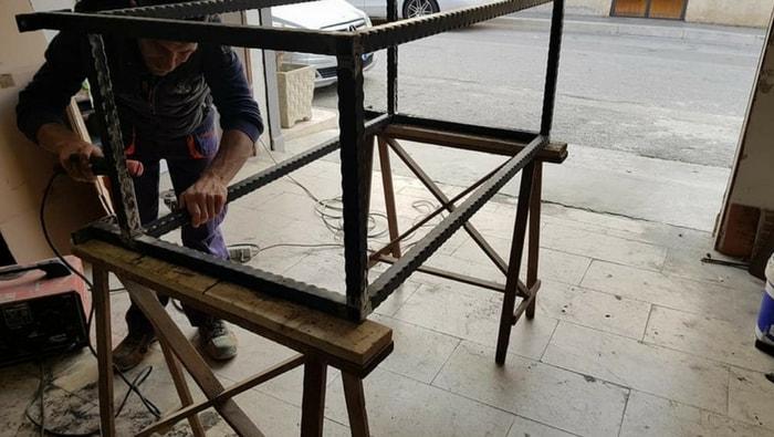 costruzione mobile per acquario