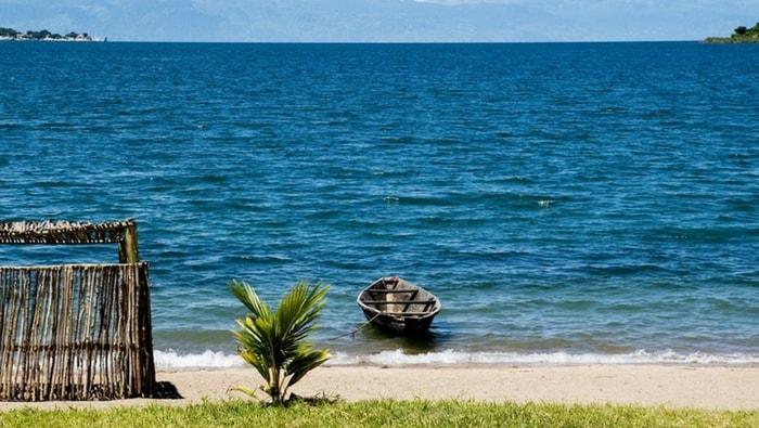Scorcio del Lago Tanganica