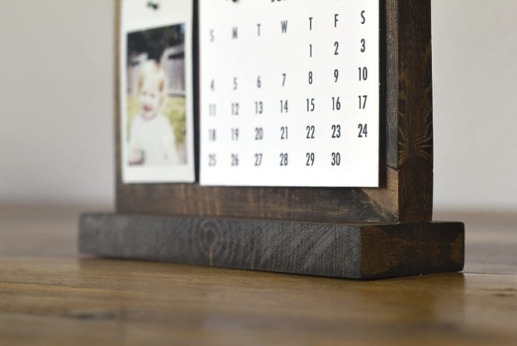 How to Make a Modern Desk Calendar | Perfect Father's Day ...