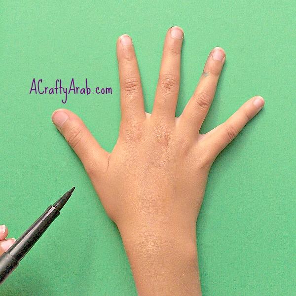 ACraftyArab Allah helps me grown handprint2