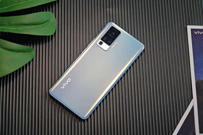 Обзор и сравнение смартфонов Vivo X50 Pro и Pro+