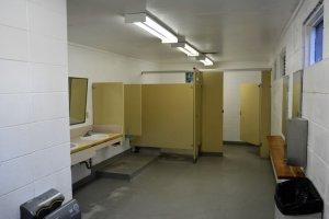 inside-washrooms-at-pike-lake-pp