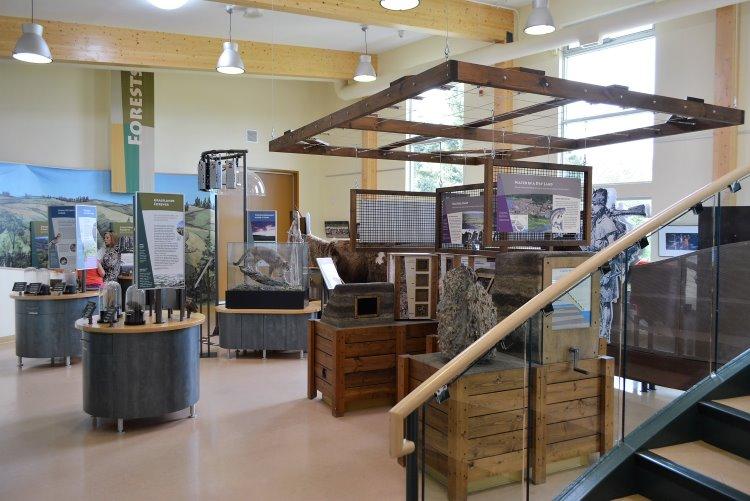 visitors-centre-at-cypress-hills-provincial-park