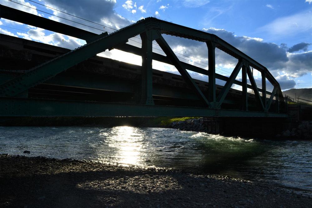 Wood and steel truss bridge over Castle River