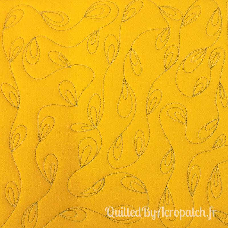 Acropatch-Motif-Quilting-PLUMETIS-Sampler-fil-uni-gris (1)