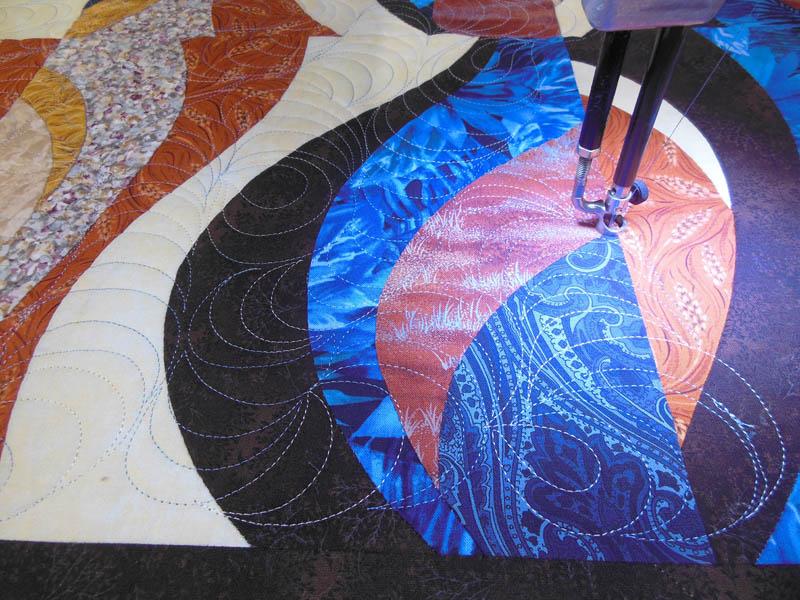 Acropatch-Panneau-mural-Motif-Quilting-TEMPETE-fil-dégradé-bleu-en cours de matelassage