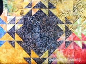 Acropatch-Panneau-mural-Shimmer quilt-Couleurs d'automne-Motif-Quilting-Montagnes russes-fil-uni-orange foncé-avant le matelassage