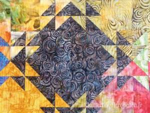 Acropatch-Panneau-mural-Shimmer quilt-Couleurs d'automne-Motif-Quilting-Montagnes russes-fil-uni-orange foncé-après le matelassage