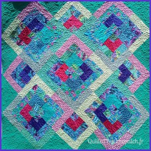 Pied-de-lit-Motif-Quilting-NUAGE-fil-multicolore