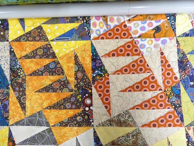 Acropatch-motif-quilting-BULLE-panneau-mural-fil-multicolore-détails
