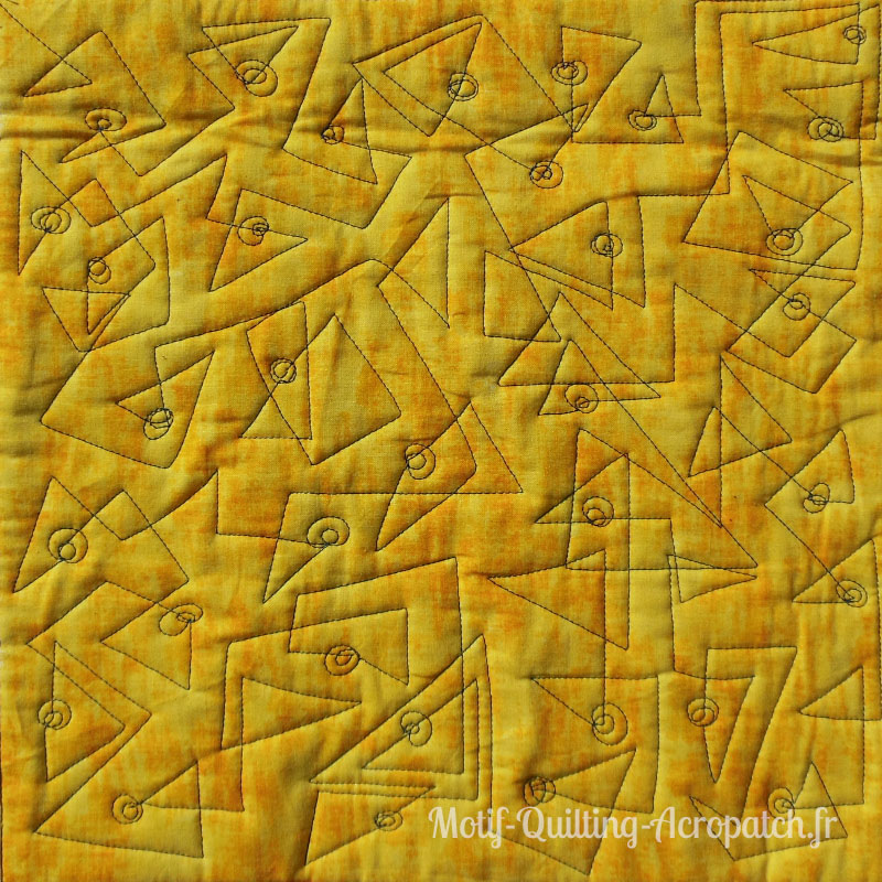 Acropatch-motif-quilting-PICASSO TRIANGLE