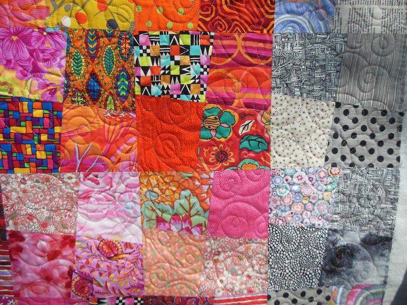 """Panneau-mural-""""Sunshine""""-Motif-Quilting-DOUBLE BOUCLE-fil-multicolore-détails des blocs et du matelassage"""