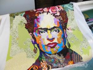 Tableau-Textile-Portrait-Frida-Kalho-Motif-Quilting-Vague-fil-transparent-avant le matelassage