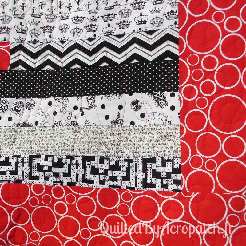 Acropatch-Plaid-Motif-Quilting-BALLON-fil-uni-rouge-détails