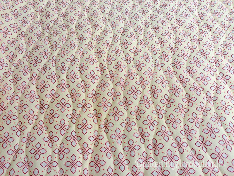 Plaid-Sampler-Motif-Quilting-VIBRATION-fil-uni-miel-quilting vu sur l'envers